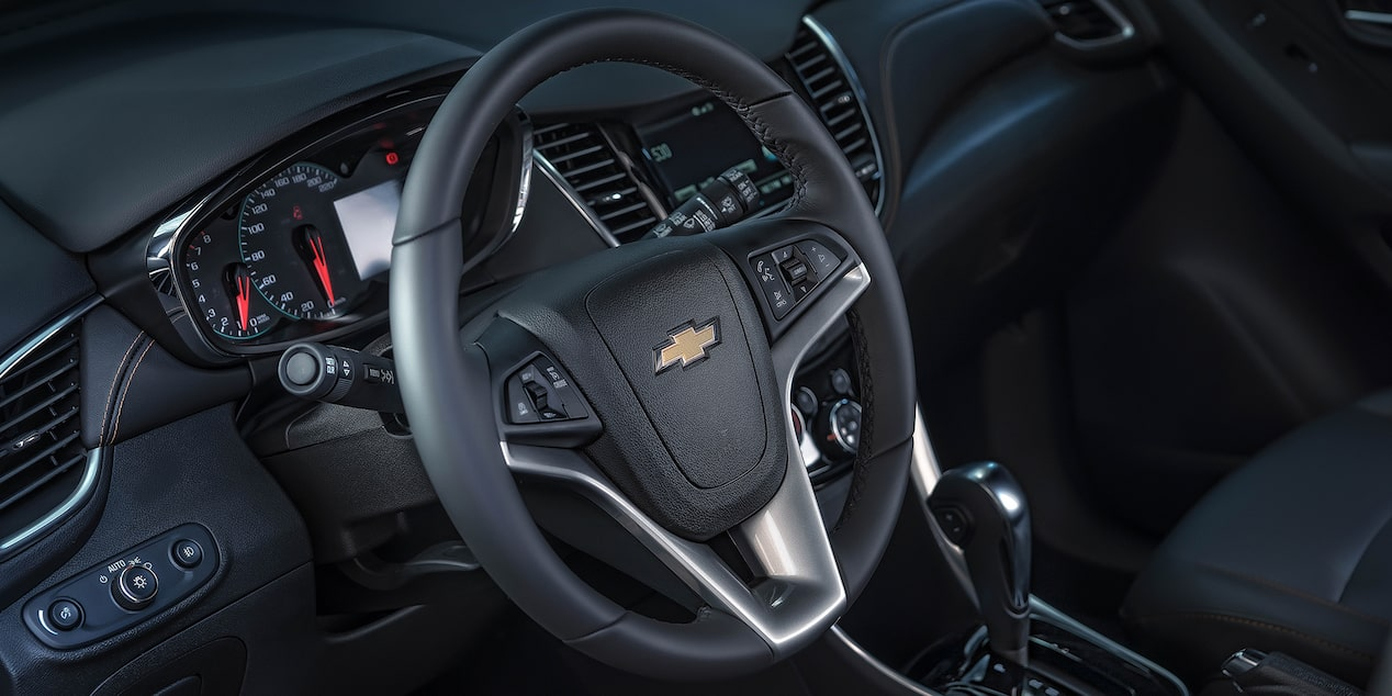 Camioneta, Chevrolet Trax Midnight 2019, con entrada dual USB, Bluetooth, dispositivo auxiliar o MP3.